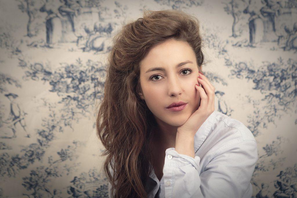 Portrait de startupeuse par Idan Wizen