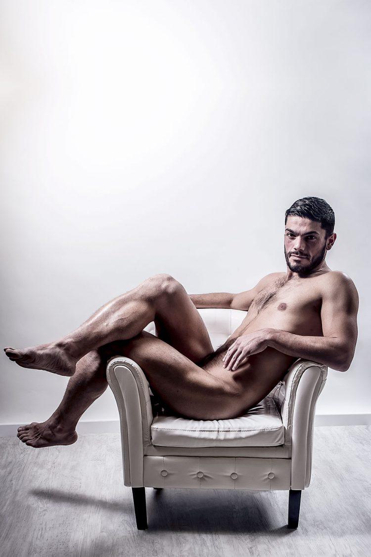 H0257 - Le playboy by Idan Wizen