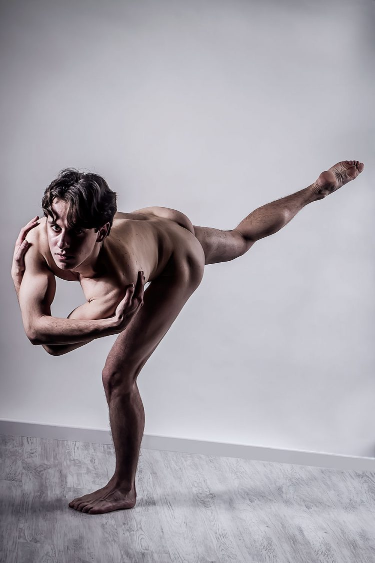 H0259 - Le ballerin by Idan Wizen